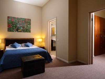 TH-Apartment-bedroom-room-webres1